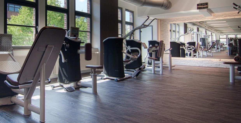 e gym milon fitness 4x in stuttgart. Black Bedroom Furniture Sets. Home Design Ideas